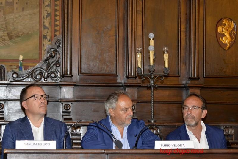 Apre  a Cortona la mostra antiquaria più antica d'Italia