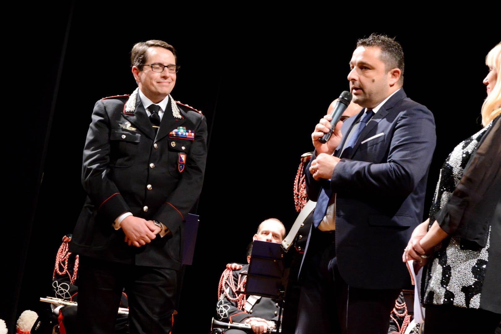 Chiusi: Straordinario successo per il Concerto di Natale della Fanfara dei Carabinieri di Firenze per beneficenza