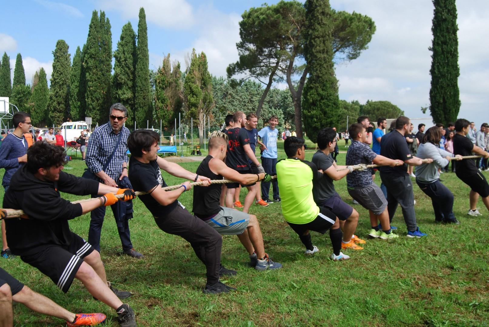 """Ritorna con successo la Giornata dello Sport all' """"I.S.I.S. A. Vegni"""" -  tutte le foto"""
