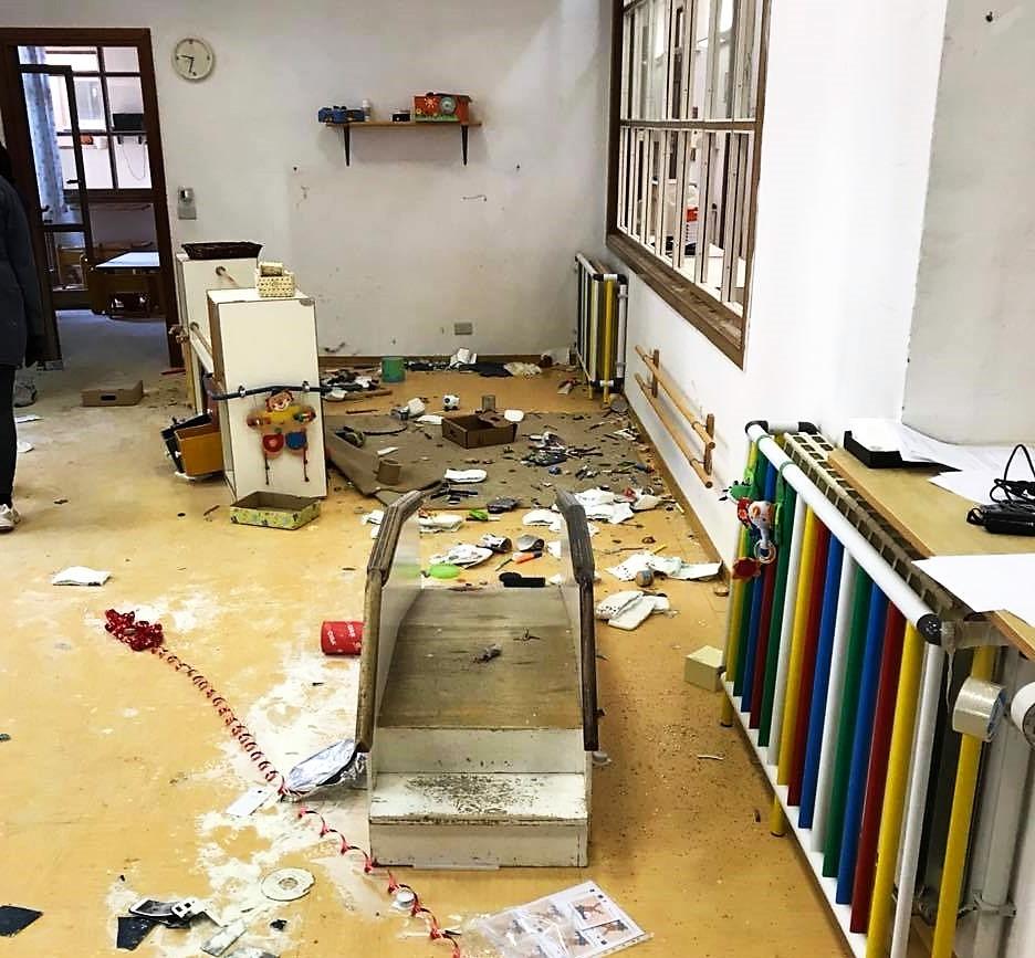 Devastazione della Scuola Materna di Via XXV Aprile a Camucia, un atto ingiustificabile e sconvolgente