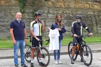 Cartelli stradali per raccomandare agli automobilisti il distanziamento per il sorpasso dei ciclisti: Castiglion Fiorentino è il primo comune aretino che insieme alla Provincia di Arezzo ha aderito al progetto.