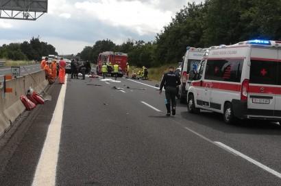 Strage in autostrada a Monte San Savino. Morte 4 persone tra cui due bambini