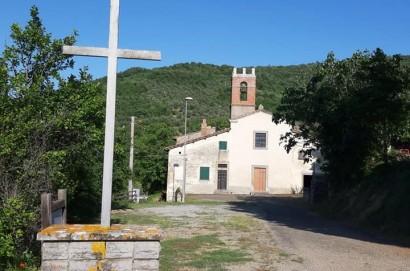 Nella chiesa di Pergognano a Castiglion Fiorentino, il 7 agosto si celebra la festa di San Donato