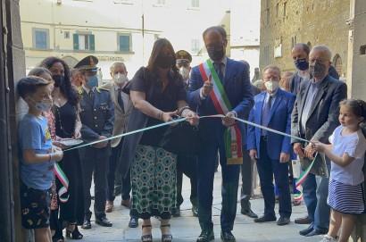 Cortona, inaugurata la mostra «Luci dalle tenebre». Grande evento culturale per la ripartenza