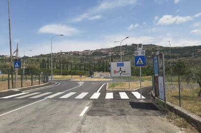 Cortona, ecco la nuova rotatoria di via dei Mori. Ancora una partnership pubblico-privato a vantaggio dei cittadini