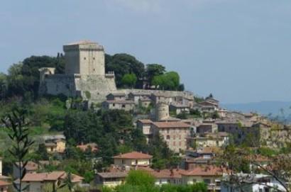 """Landi, """"Matrimoni al castello di Sarteano per favorire il turismo nuziale"""""""