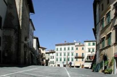 La Provincia di Arezzo, Monte San Savino e Marciano della Chiana patrocinano il Toscana Pride