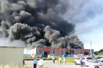 Incendio allo stabilimento della Società Raetech: domani tavolo tecnico al comune di Foiano della Chiana