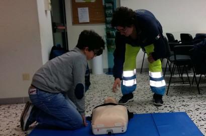 lniziativa della Misericordia di Monte San Savino sull'uso del defibrillatore