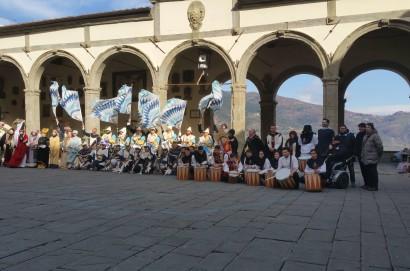 Il Cassero regala tamburi al gruppo storico di Norcia