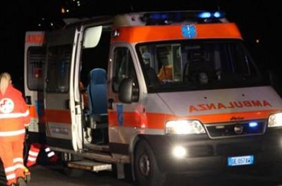 Ragazza di Cortona resta incastrata nella sua auto