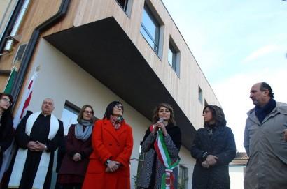 """A Terontola, nel Giorno della Memoria, inaugurazione ufficiale della Scuola materna """"Gino Bartali""""."""