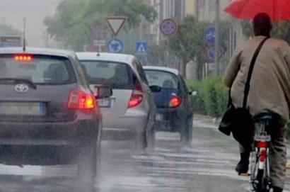 Pioggia e temporali, codice giallo fino alla mezzanotte di domani, martedì 22 maggio