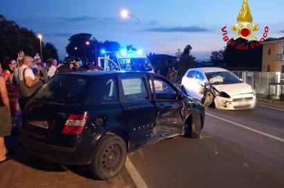 Incidente stradale a Castiglion Fiorentino, ferite due donne