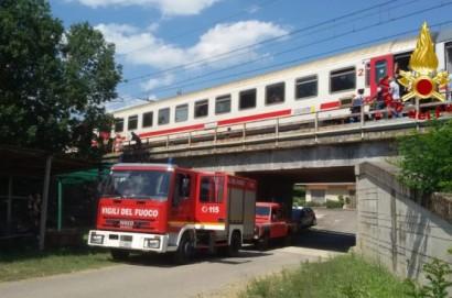 Treno si ferma per un guasto a Castiglion Fiorentino, paura per 180 persone a bordo