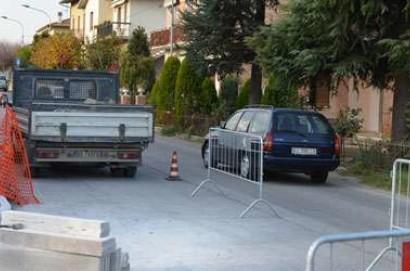 Chiusi: iniziati i lavori per il nuovo marciapiede a Montallese