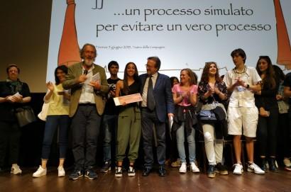 """Progetto """"Ciak … un processo simulato per evitare un vero processo"""": l'Istituto Vegni si aggiudica il Terzo Premio"""