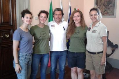 Il sindaco Agnelli incontra le volontarie della Global Ecological Association