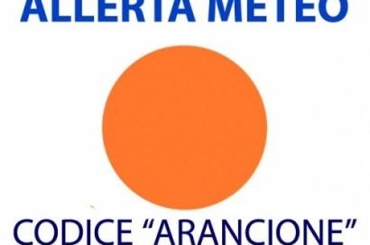 Pioggia e temporali, codice arancione dalle 12 alla mezzanotte di domani, domenica 22, su tutta la Toscana