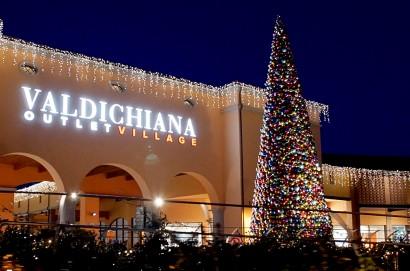 Natale al Valdichiana Outlet Village, il più bello di sempre: le Feste si accendono in grande stile