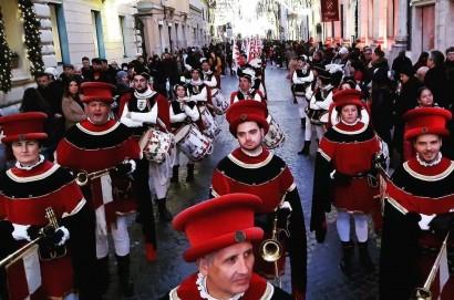 """Dopo la partecipazione alla """"Rome Parade"""" per il Gruppo Storico e Sbandieratori sono in calendario due esibizioni in Spagna per la festività dell'Epifania"""