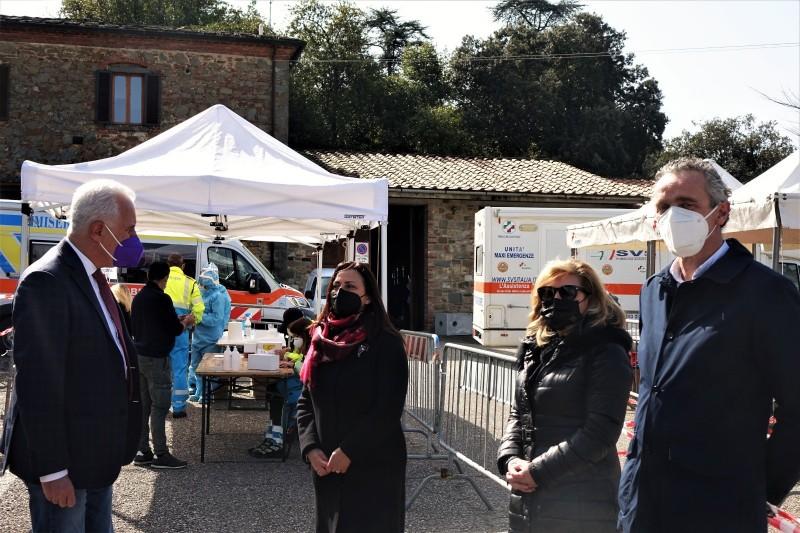 Territori Sicuri a Lucignano 6 positivi su 865 tamponi