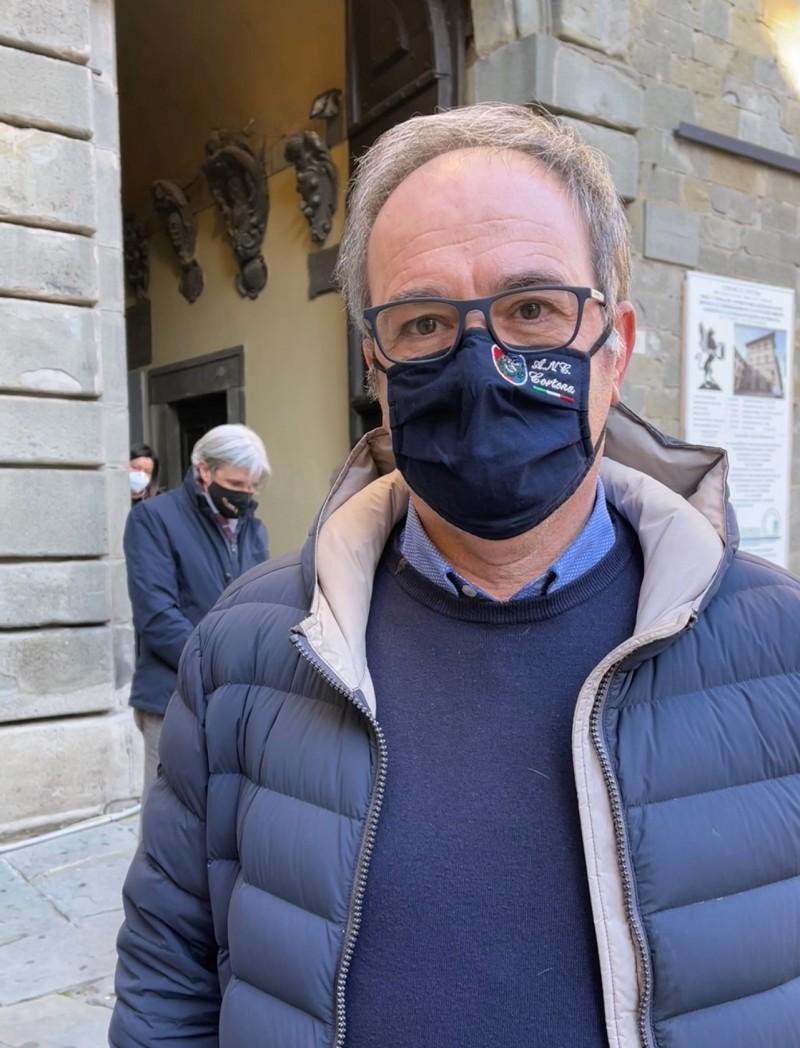 Pubblicazione dati sensibili su un'ordinanza all'albo pretorio, dichiarazione del sindaco di Cortona Luciano Meoni