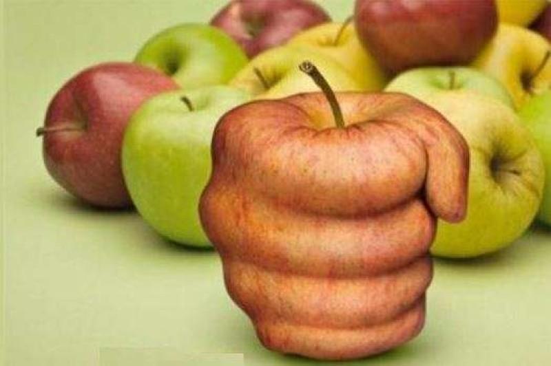 Aiutiamo la ricerca con le mele AISM in piazza a Predazzo