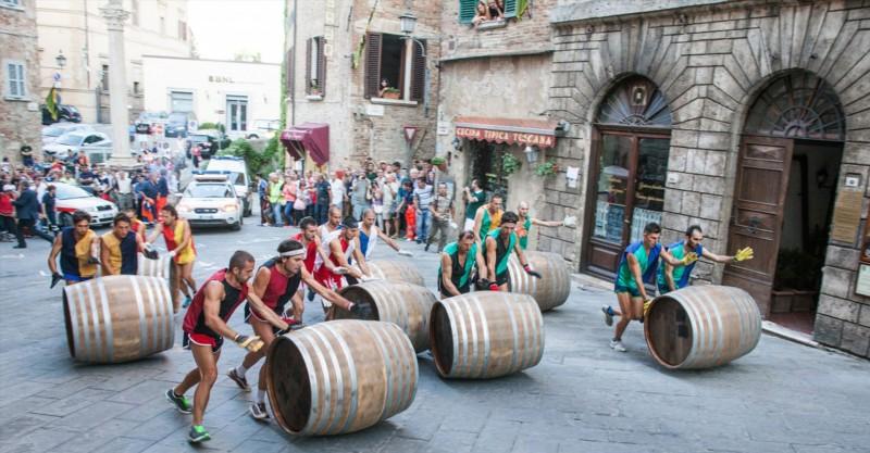 Nuovi costumi e tante novità per l'edizione 2017 del Bravìo delle Botti di Montepulciano