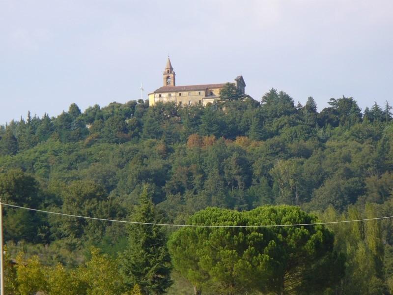 Un momento di preghiera al Santuario della Madonna di Canoscio organizzato dall'Amministrazione Comunale in collaborazione con le parrocchie castiglionesi