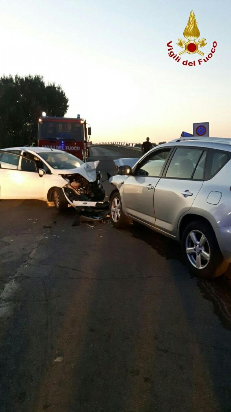 Scontro tra due auto a Castroncello, grave 33enne