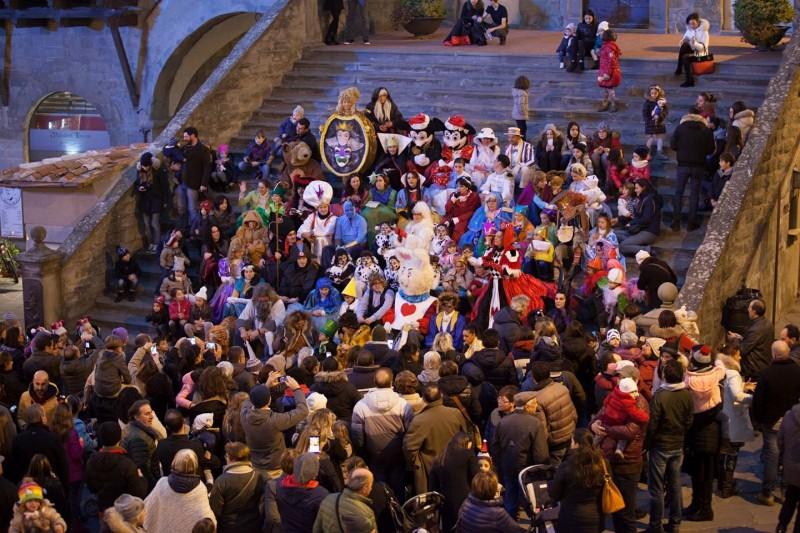 Natale, il 23 novembre le prime luminarie: si inizia all'Arco della Pace