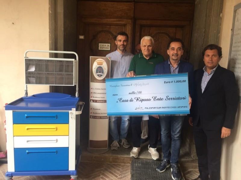 La Polisportiva di Montecchio Vesponi dona all'Ente Serristori un assegno da mille euro