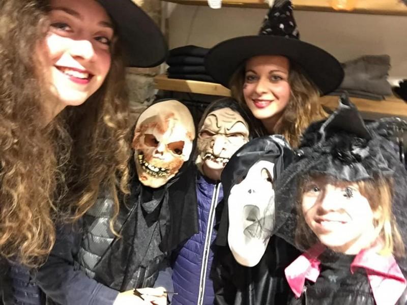 Halloween a Cortona, successo dell'iniziativa - Il ringraziamento dei commercianti