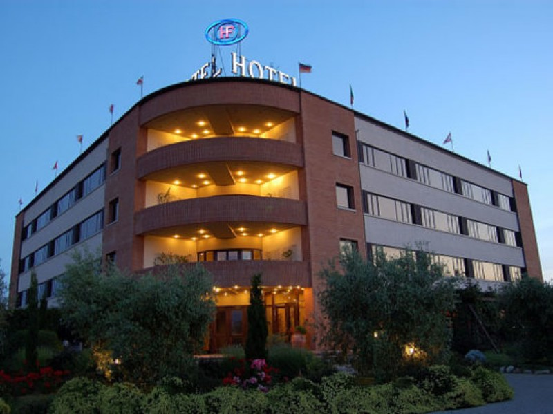 Rapina in un hotel di Foiano della Chiana