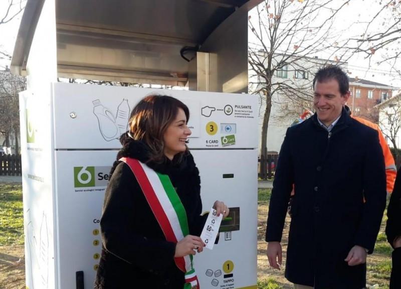Inaugurati , a Camucia e Terontola,due eco-compattatori per i rifiuti di plastica.