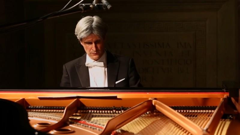 Al Teatro Signorelli:Il Requiem di Terezin con Francesco Attesti