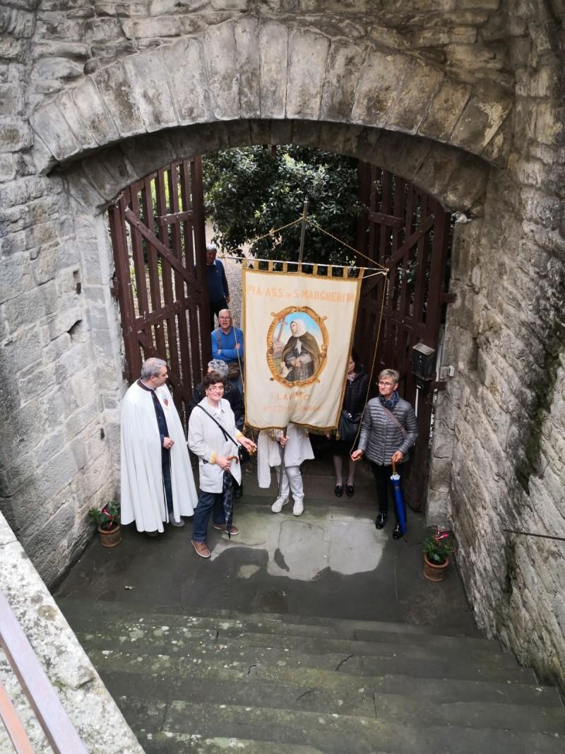 Pellegrinaggio per onorare Santa Margherita. Passaggio da Porta Berarda