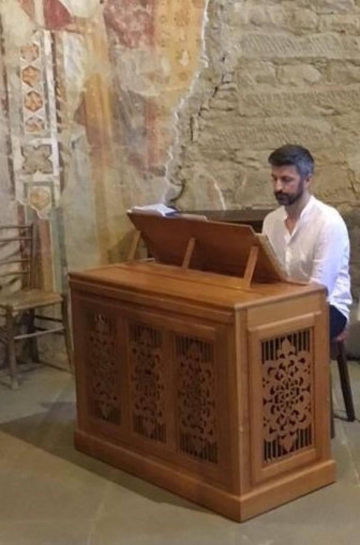 Massimiliano Rossi all'organo di S.Maria Nuova